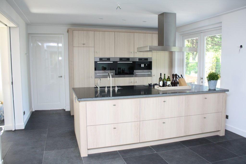 Moderne houten keukens strakke houten keukens op maat
