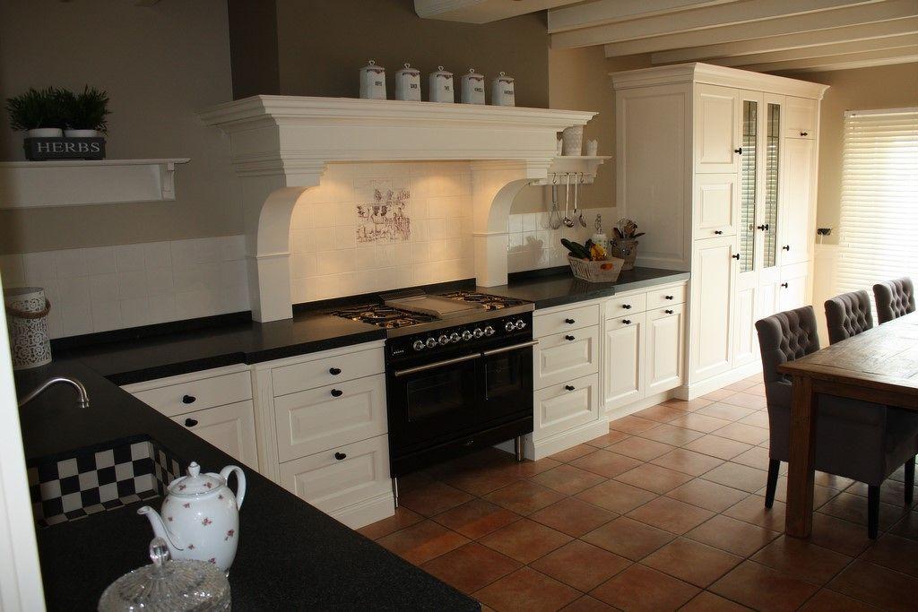 Schouw Keukens Almere : Duurzame houten keukens maatwerk houten keukens