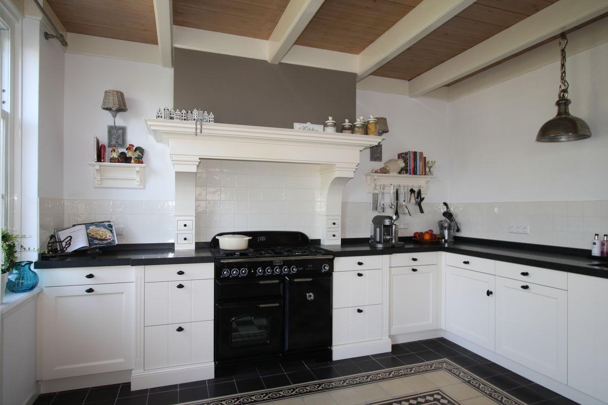 Keuken Van Hout : Houten keukens op maat landelijke keukens