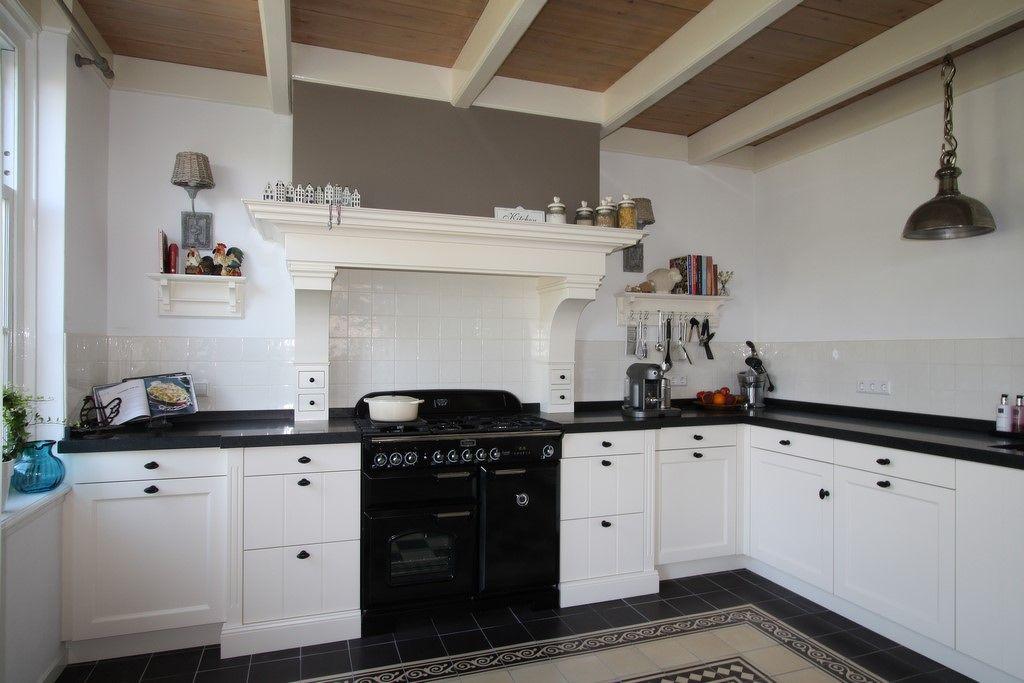 Landelijke Keuken Plafond : Landelijke keukens Houten keuken landelijke stijl