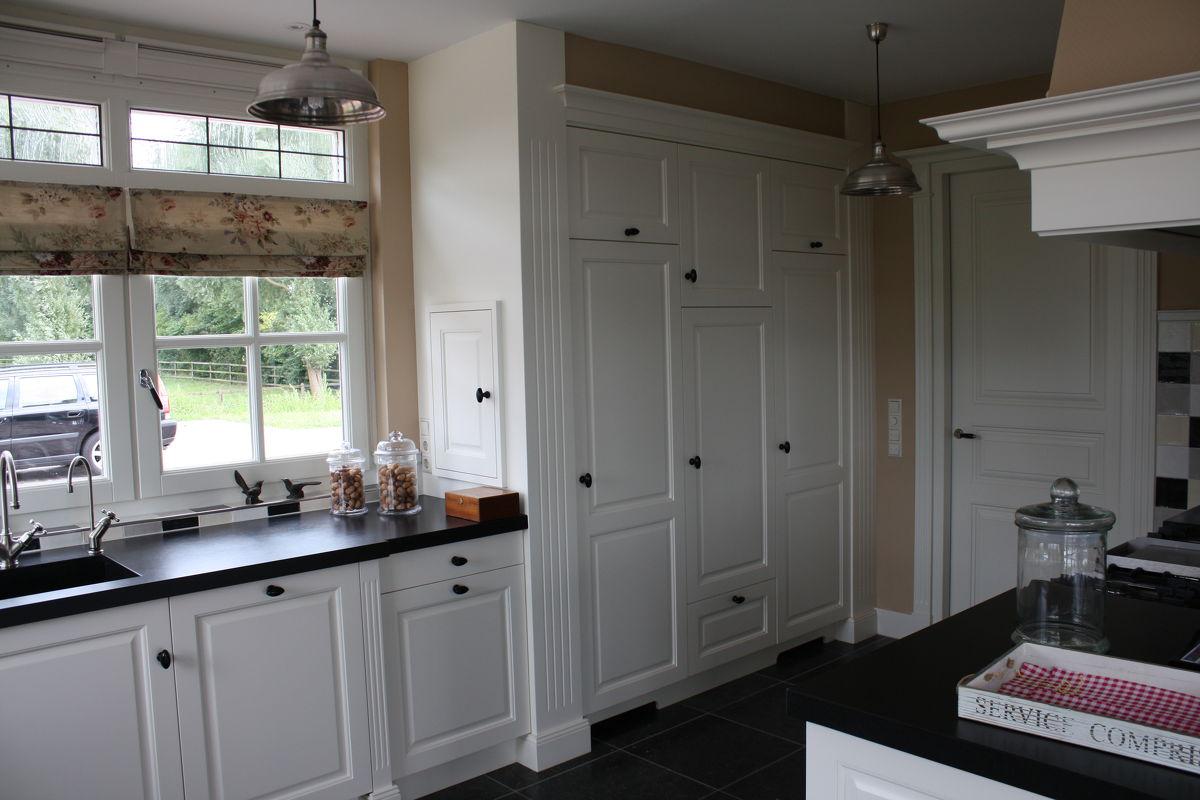 Handgemaakte houten keukens houten keukens op maat for Landelijke keuken