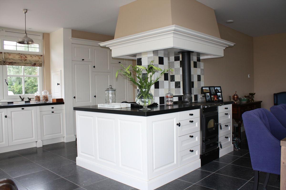 Landelijke Engelse Keukens : Handgemaakte houten keukens! Houten keukens op maat!