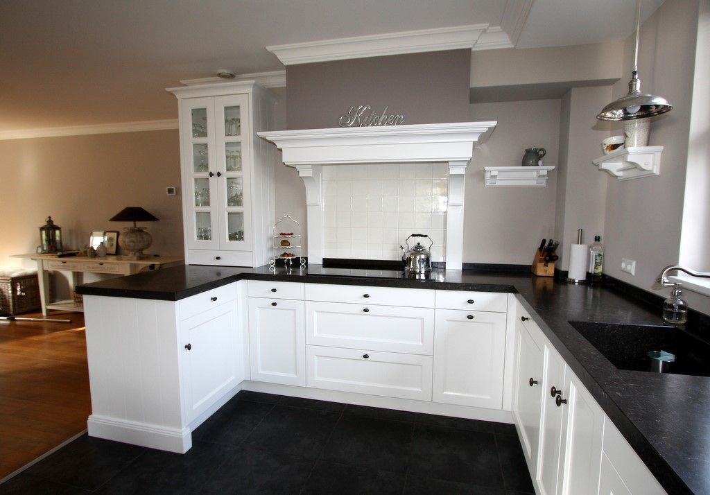 Landelijk Moderne Keukens : Moderne designkeukens met strak lijnenspel