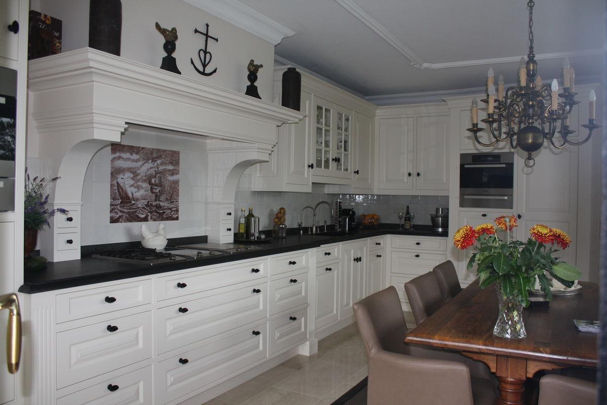 Keuken Engelse stijl in Garderen, maatwerk keukens Berg